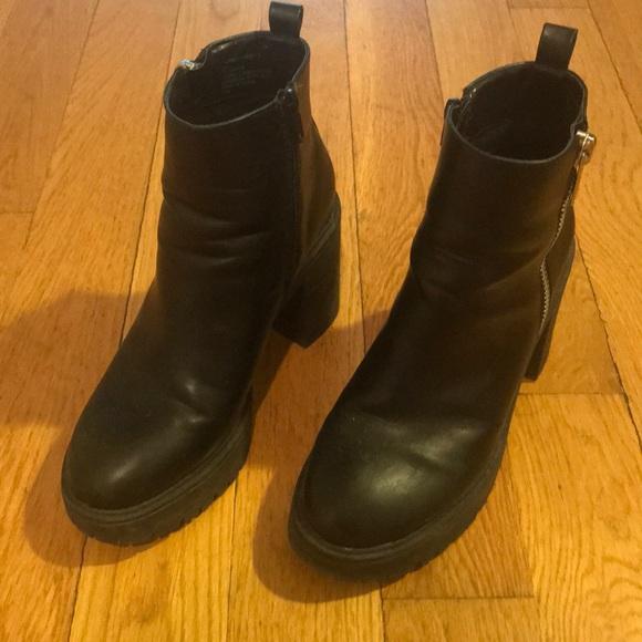 18d609142a2 Steve Madden chunky platform boot
